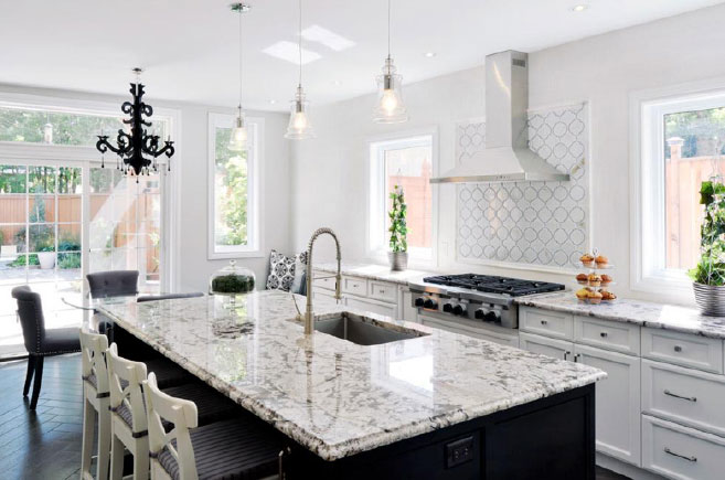 Get Inspired A Traditional Black And White Kitchen Gem Cabinets